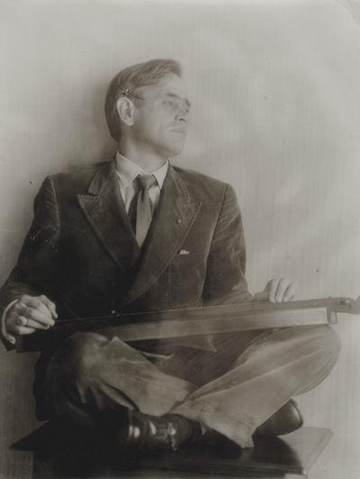 John Jacob Niles playing dulcimer; Brasstown, North Carolina; Doris Ulmann