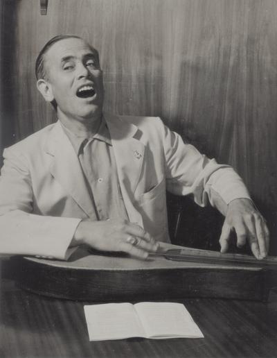 John Jacob Niles posed with dulcimer; George Kossuth