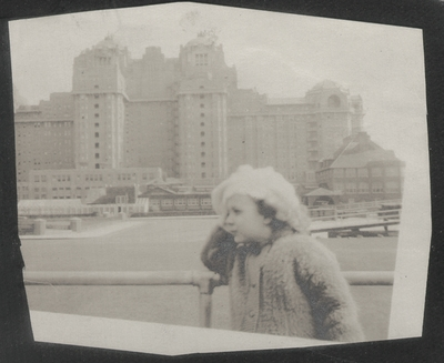 Rena Lipetz (later Niles) at about age four; Atlantic City, New Jersey