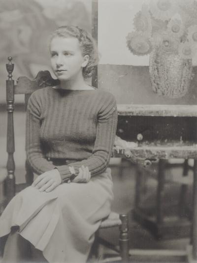 Rena Niles in Frank Long's studio; Berea, KY