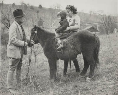 John Jacob Niles, Rena and Tom Niles; Boot Hill Farm;