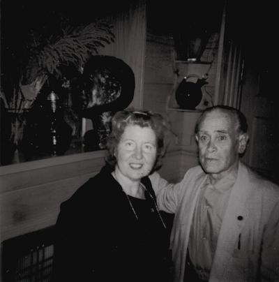 Margaret Sanders Hunegart (Colonel Harland Sanders' daughter) with John Jacob Niles; Boot Hill Farm