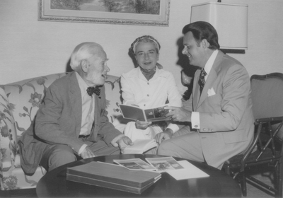 Tom Barnes (right) Trust Officer Citizen's Union Bank with John Jacob and Rena Niles