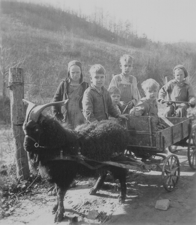 Trip to Chavies, KY: children with cart; John Jacob Niles