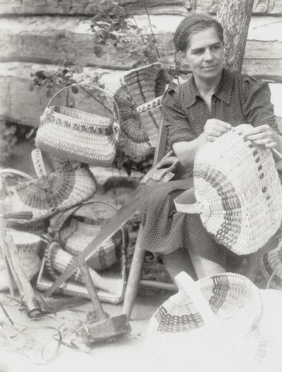 Basket makers; Louisville Courier-Journal