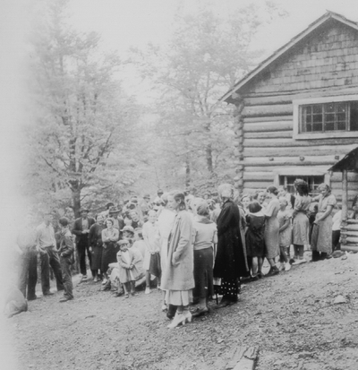 A family of the mountains, Lotts Creek, KY; Louisville Courier-Journal