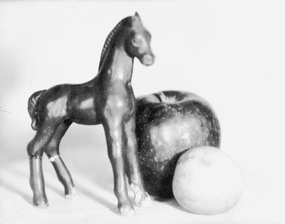 Plaster horse and apples; John Jacob Niles