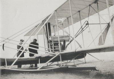 Wright's cylinder head blew off and punctured machine before second flight, October 5th