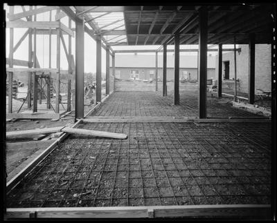 Construction; second floor (roofing)