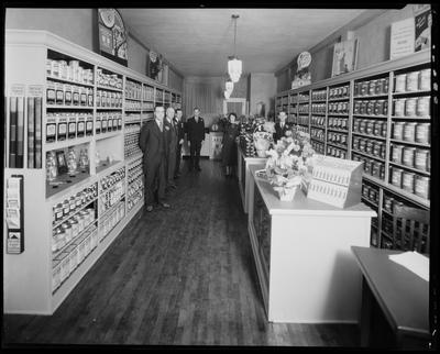 Inside of a paint store (Devoe, Rayco products)