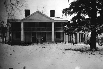 J. L. Bledsoe Albertt House - View of fa?ade