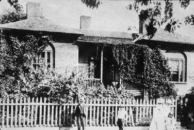 Gist House - Note on slide: Maxwell and Mill Streets