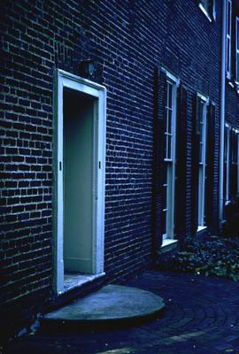 John Wesley Hunt House (Hunt - Morgan House) - Note on slide: North stairhall door