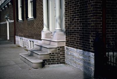 John Wesley Hunt House (Hunt - Morgan House) - Note on slide: Steps of Second Street doorway