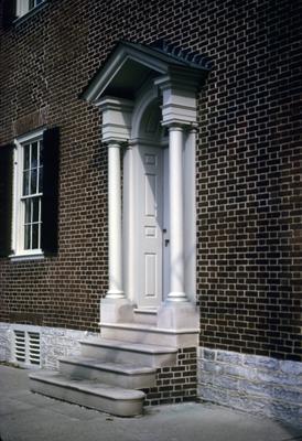 John Wesley Hunt House (Hunt - Morgan House) - Note on slide: Second Street doorway