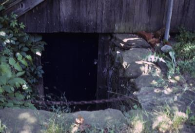 Joshua Horton House - Note on slide: Cool cellar
