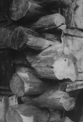 General Scott House - Note on slide: Log cabin corner detail