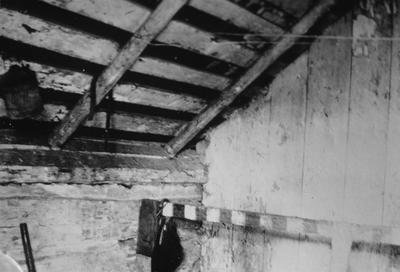 Mefford's Fort - Note on slide: Interior second floor