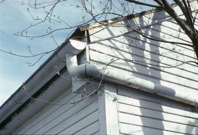 Lean-to-Log House - Note on slide: Coopers Run. Eaves corner