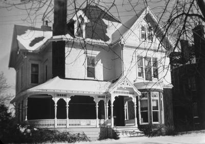 Mary Robinson House - Note on slide: 481 East Main St