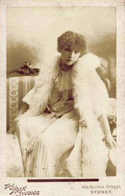 Sarah Bernhardt;                          Dame aux Camelias ; Photographer: The Falk Studios; Sydney