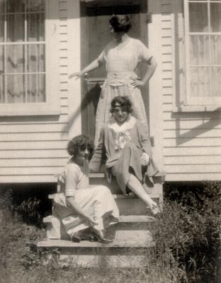 Helen Ware, Josephine Victor, Henrietta Metcalf; no photographer or place given