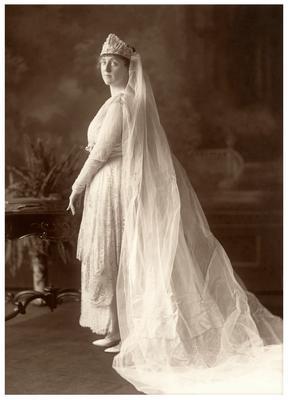 Margaret Wickliffe Preston (1885-1964) in her wedding dress