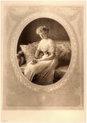 Helen Draper (1895-1933), handwritten on back in ink