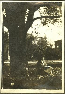 Elizabeth Madox Roberts on the campus of Univeristy of Kentucky