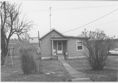 Series S- S6: Taylorsville (Ky.), low-income house with young boy