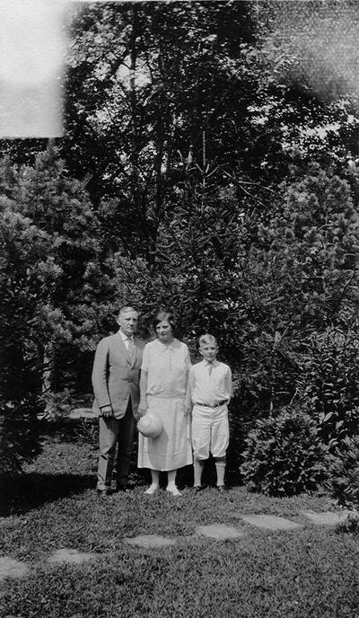 Dr. and Mrs. Dunning Wilson and son