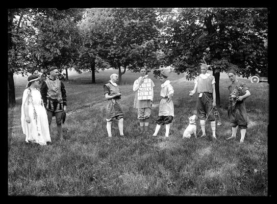 Pageant, play                          A Midsummer Night's Dream, seven players, man with animal head in hand on right