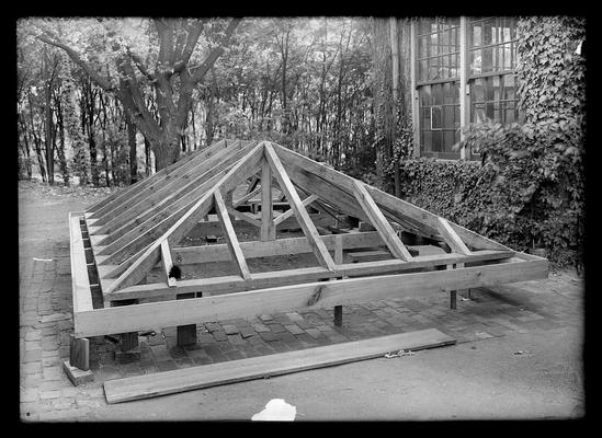 Frame for roof of building, carpenter's work of the United States Army training detachment, first possible