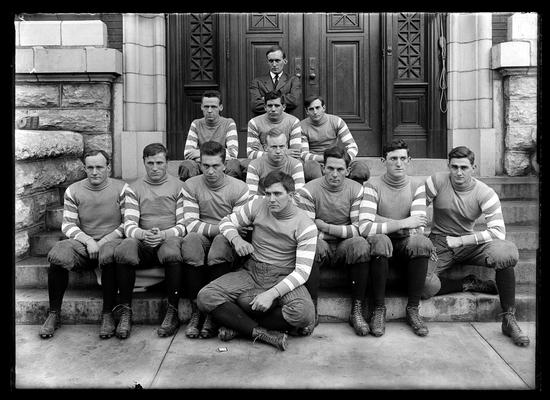 Wildcats at end of 1910 season, Dick Webb, captain, center