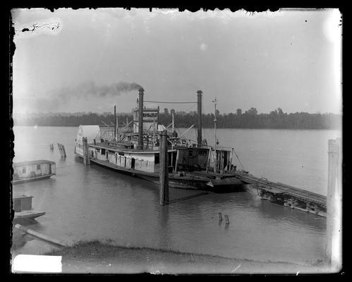 Boat, transfer steamer at Paducah