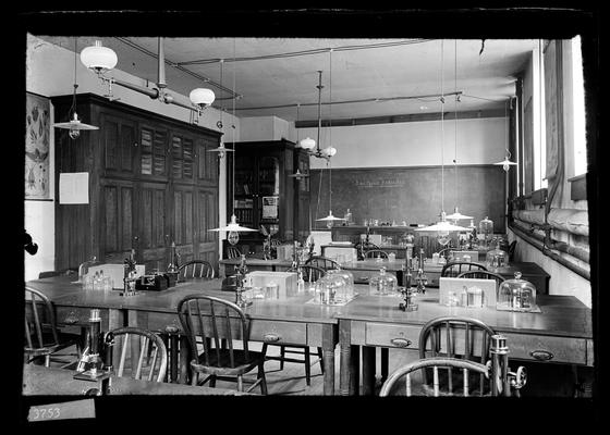 Notation                          Botany Class Room, in Station Building, Spring 1897 for catalogue