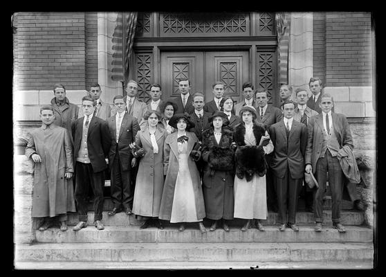 Louisville Club, steps of Carnegie Library