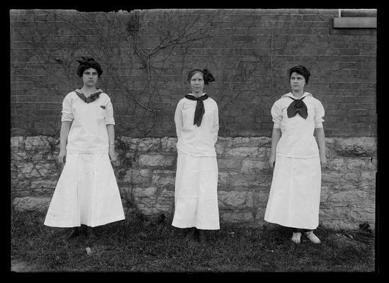 Florence Hughes, Natalie Wood, Elsie Heller, basketball players