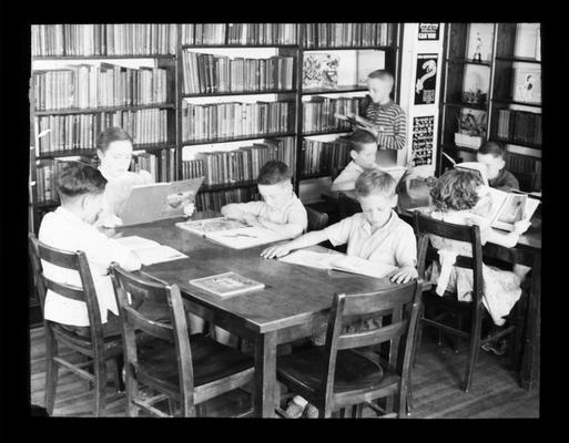Elementary school students in the library