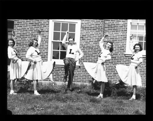 Lafayette cheerleaders, cheering