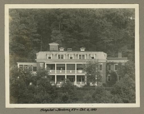 Title handwritten on photograph mounting: Hospital--Jenkins, Kentucky