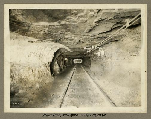 Title handwritten on photograph mounting: Main Line in No. 206 Mine