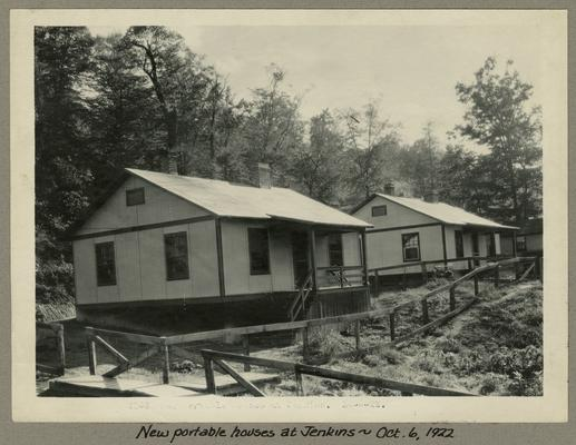 Title handwritten on photograph mounting: New portable house at Jenkins