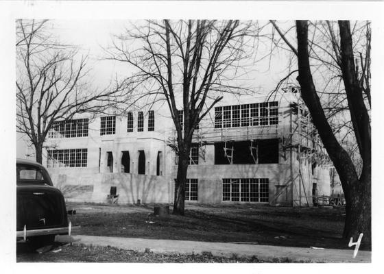 Architectural concrete on Smith Grove High School