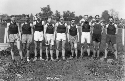 High school track team, Newport High School