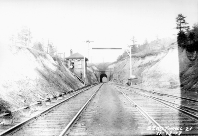 Tunnel 21, south end