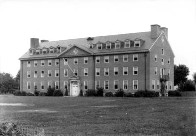 Bradley Hall (men's dormitory)
