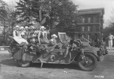 Holland parade float, May Day