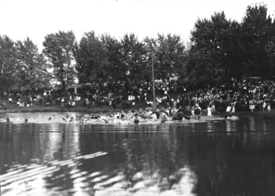 Student Tug-of-War at Clifton Pond