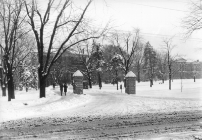 Entrance to the University from South Limestone, winter scene
